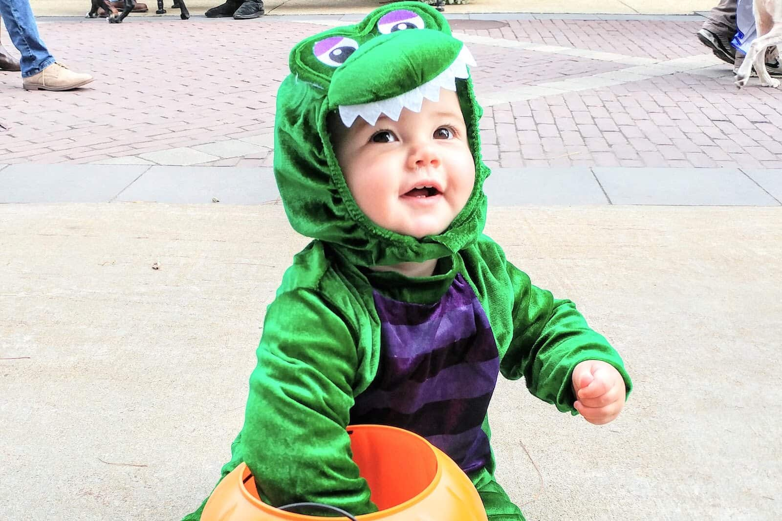 instagram worthy halloween costumes for babies, toddlers, & families