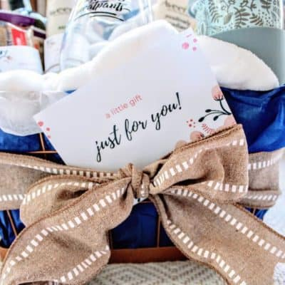 """How to Make a New Mom """"Treat Yourself"""" Gift Basket"""
