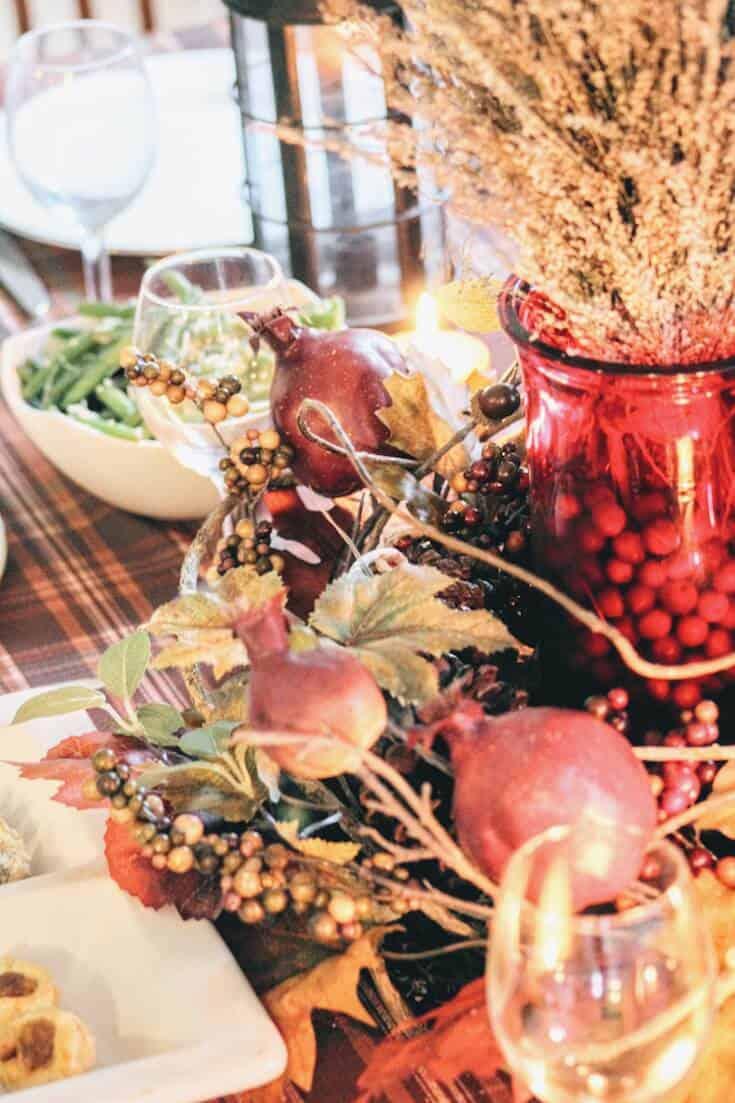 Thanksgiving tablescape centerpiece.