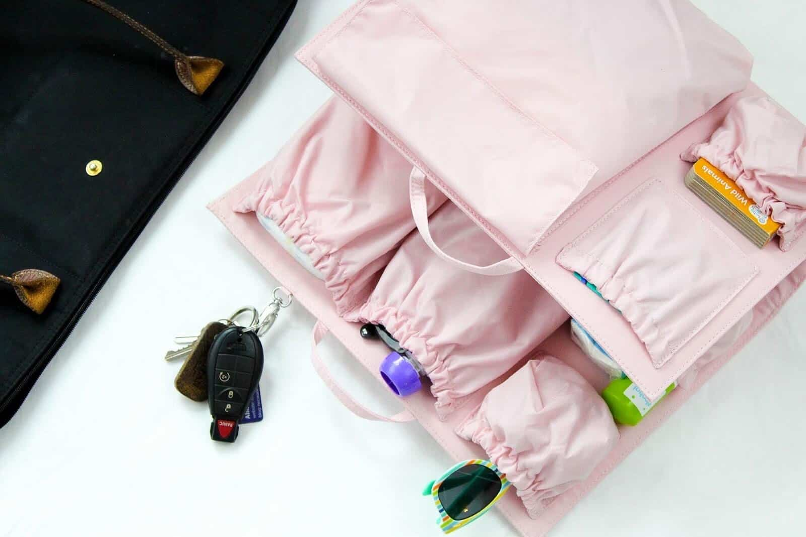 Toddler essentials to keep in bag.