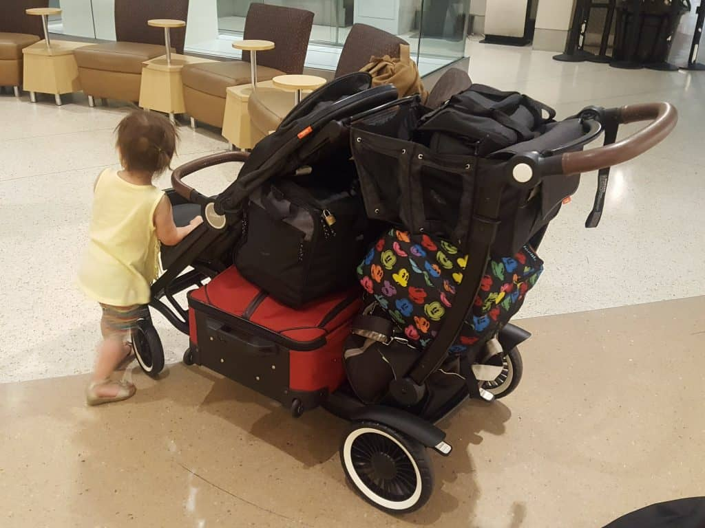 austlen entourage at airport