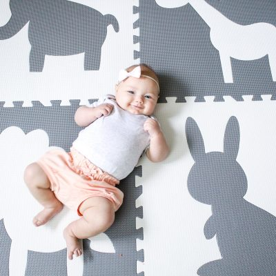10 Easy Activities to Play with A Newborn (0-3 months)