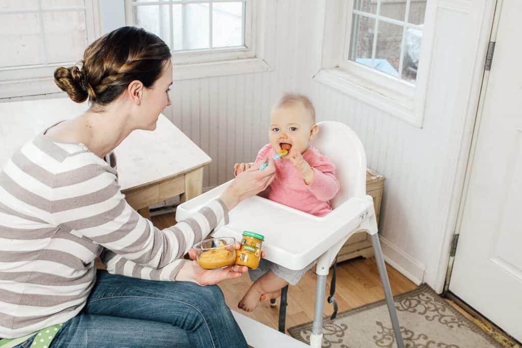Mom tries baby led weaning with beechnut baby food.