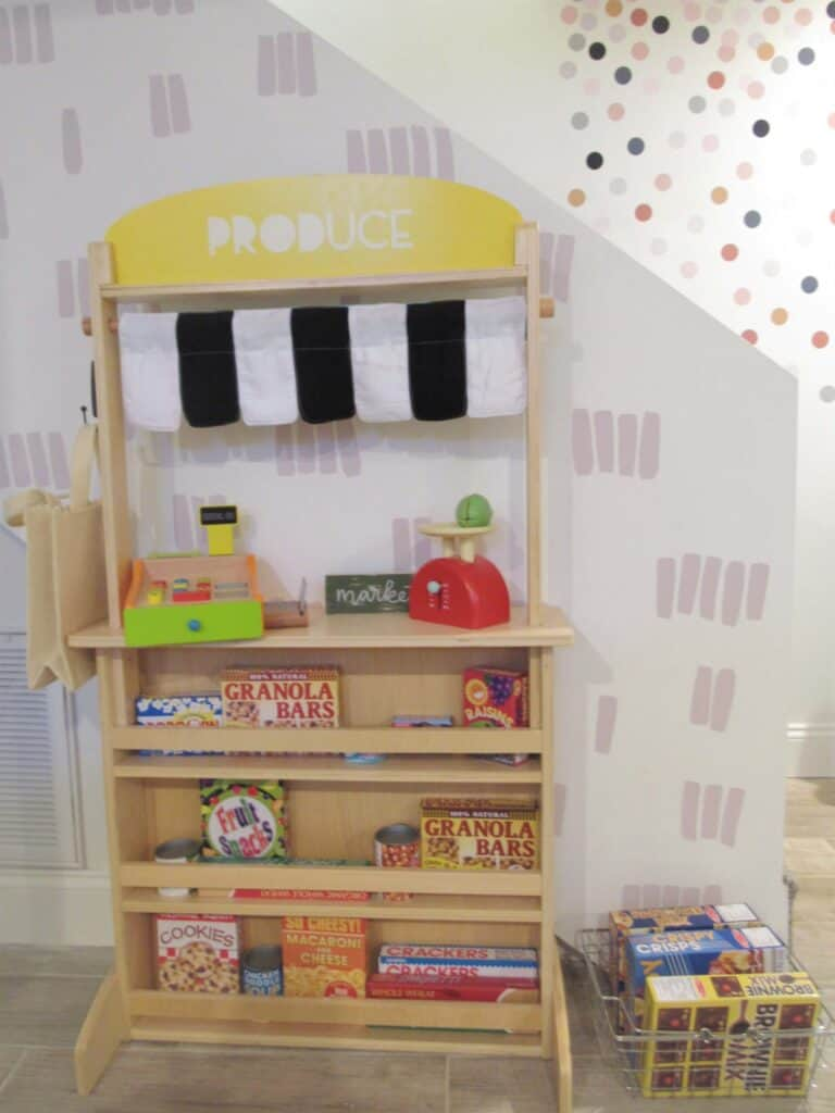 playroom shopping area