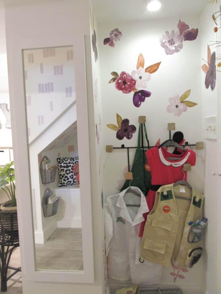 playroom dress up corner