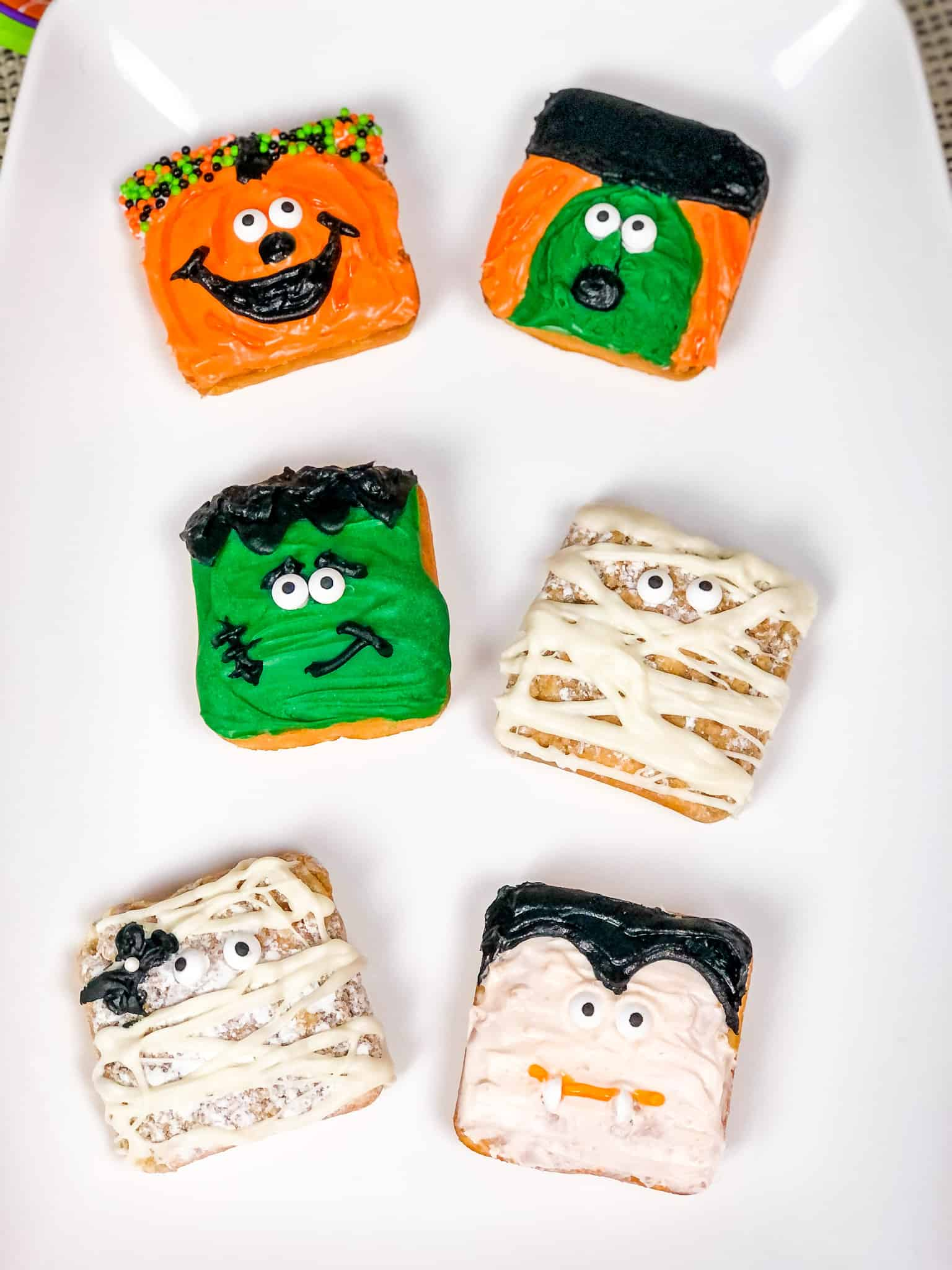 halloween treats on mini cakes