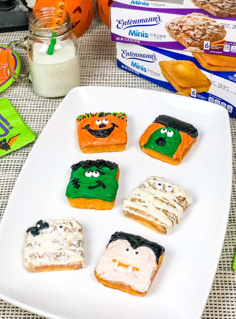 Decorated mini cakes for Halloween.